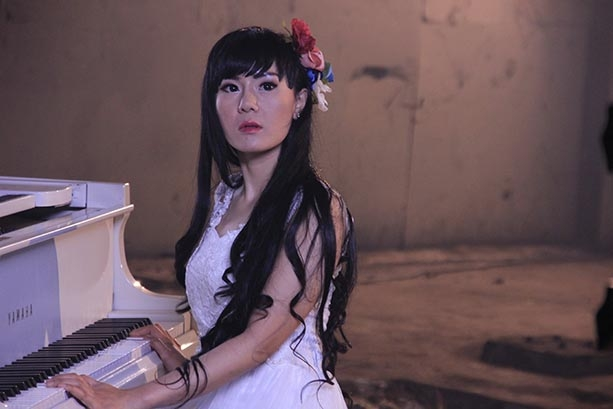 Neng Oshin Syuting Video Klip Artistik