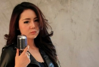 Neng Oshin Video Klip Tertunda